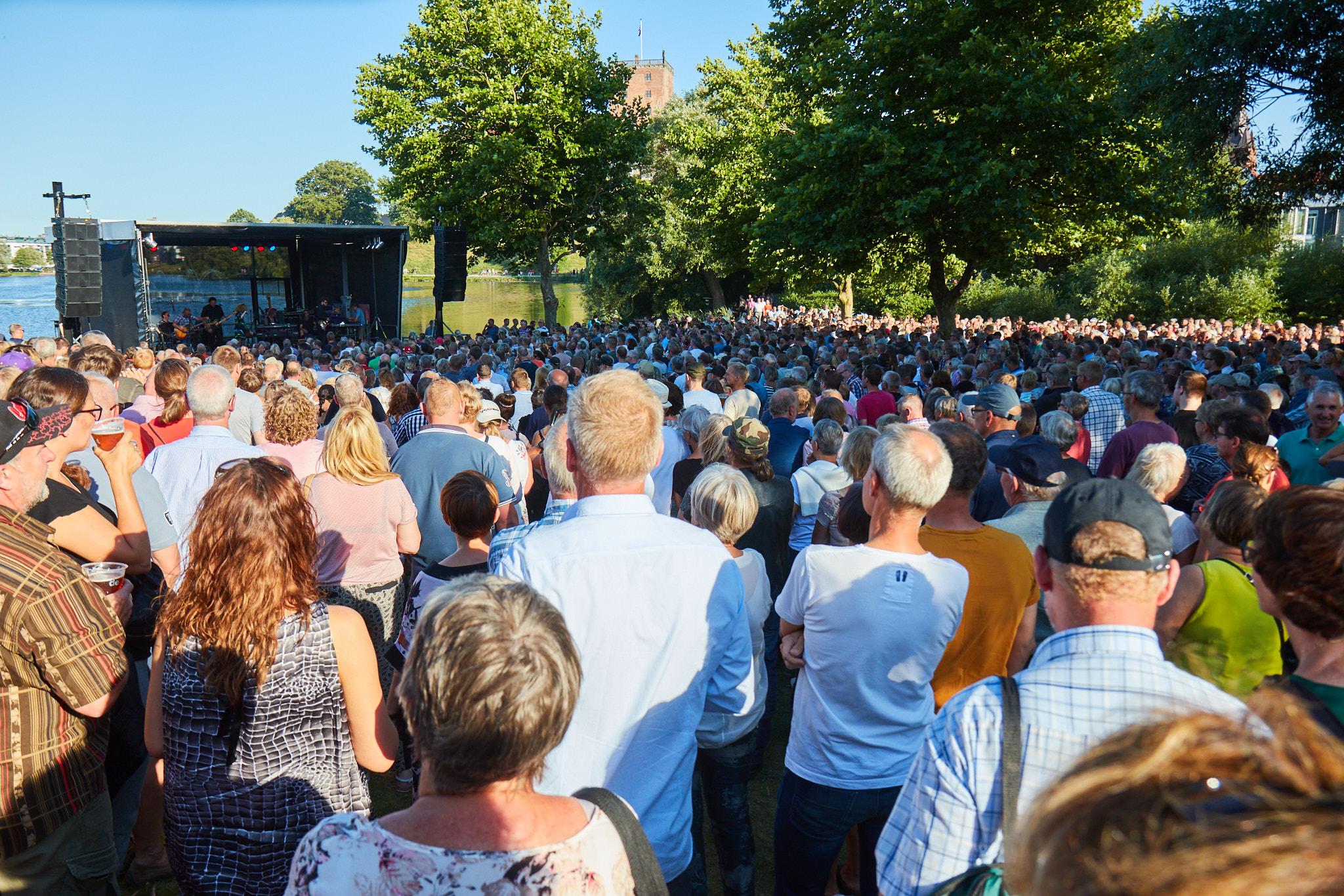 Scene og mennesker til Sommer ved Søen i Kolding Kommune